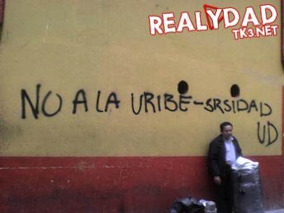 Grafiti ubicado en la calle 16 con carrera 8 en Bogotá.